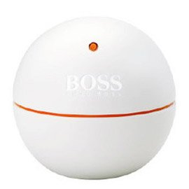 Boss In Motion White EditionHugo Boss<br>Производство: Великобритания Boss In Motion Edition White от Hugo Boss. Boss In Motion Edition White - взрывоопасная смесь красного апельсина, базилика, шафрана, корицы и черного перца. Флакон аромата представляет собой белый шар со вставками из оранжевого цвета.<br><br>Линейка: Boss In Motion White Edition<br>Объем мл: 90<br>Пол: Мужской