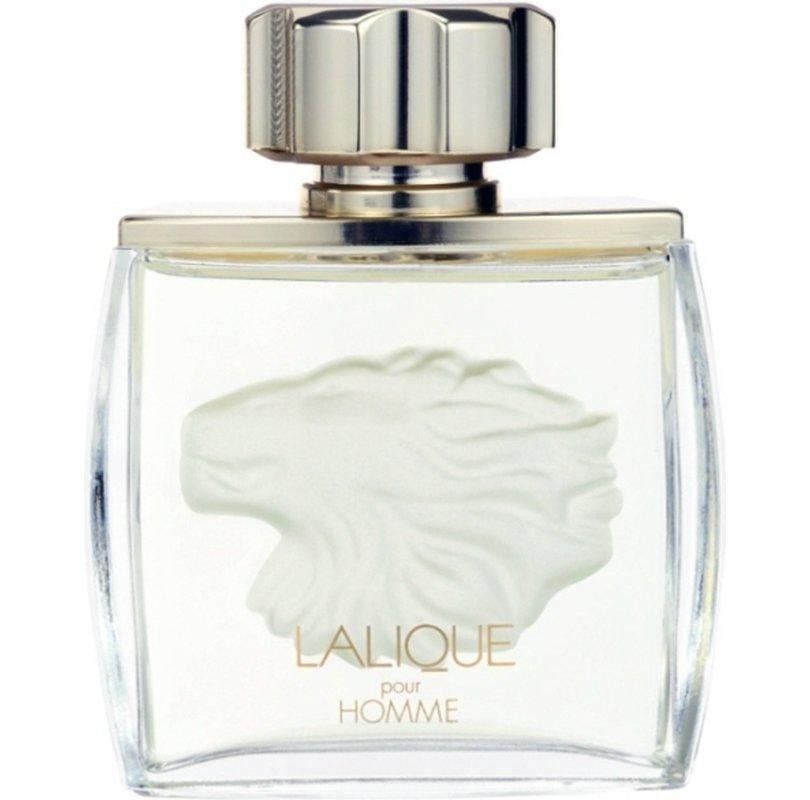 Pour Homme LionLalique<br>Производство: Франция Lalique Pour Homme Lion от Lalique Parfums. В верхней ноте аромат цитрусовое очарование грейпфрута и благородная свежесть бергамота. Сердце из ландыша, жасмина и ириса плавно переходит в теплый шлейф сандалового дерева, амбры, пачули и белой ванили.<br><br>Линейка: Pour Homme Lion<br>Объем мл: 125<br>Пол: Мужской