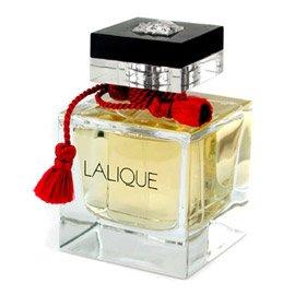 Le ParfumLalique<br>Год выпуска: 2005 Производство: Франция Семейство: восточные Верхние ноты:  Бергамот, Розовый перец, Индийский лавр Средние ноты:  Жасмин, Гелиотроп, Миндаль Базовые ноты:  пачули, Сандаловое дерево, Ваниль, Тонка бобы Le Parfum от Lalique Parfums. Современный восточный аромат с уникальной, волнующей парфюмерной композицией, которая построена на удивительно смелой игре контрастов: нежности и сладострастия, теплоты и свежести.<br><br>Линейка: Le Parfum<br>Объем мл: 100<br>Пол: Женский<br>Аромат: восточные<br>Ноты: Бергамот, Розовый перец, Индийский лавр,  Жасмин, Гелиотроп, Миндаль,  пачули, Сандаловое дерево, Ваниль, Тонка бобы<br>Тип: парфюмерная вода<br>Тестер: нет