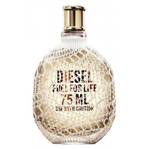 Fuel For Life WomanDiesel<br>Год выпуска: 2007 Производство: Франция Семейство: шипровые цветочные Верхние ноты:  мандарин, Розовый перец Средние ноты:  Жасмин, мускатный орех Базовые ноты:  пачули, Ветивер Fuel For Life Woman от Diesel. Сегодня миланская марка Diesel выпустила женский парфюм Fuel for Life. Аромат построен на цветочном шипре с начальными аккордами мандарина и розового перца, в сердце звучит мелодия игривой черной смородины и страстного жасмина, а шлейф играет чувственными пачули и мускусом. Флакон аромата очаровывает кружевным орнаментом, который, подобно волшебному кружеву обволакивает оригинальную прозрачную колбу.<br><br>Линейка: Fuel For Life Woman<br>Объем мл: 75<br>Пол: Женский<br>Аромат: шипровые цветочные<br>Ноты: мандарин, Розовый перец,  Жасмин, мускатный орех,  пачули, Ветивер<br>Тип: парфюмерная вода-тестер<br>Тестер: да