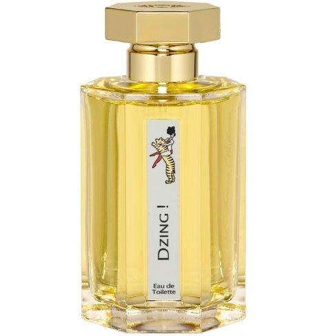 Dzing!L`Artisan Parfumeur<br>Год выпуска: 1999 Производство: Великобритания Семейство: древесные Верхние ноты:  кожа, Мускус, Тонка бобы, сахарная вата, Карамель, древесные ноты, Имбирь, Красное яблоко, Индийский шафран, Конфеты ирис Dzing! L Artisan Parfumeur (Дзинг от Артизан)- это аромат для женщин, принадлежит к группе ароматов древесные. Dzing! выпущен в 1999. Парфюмер: Olivia Giacobetti. Композиция аромата включает ноты: кожа, Имбирь, Тонка бобы, Мускус, Белое дерево, Карамель, шафран, Конфеты ирис, красное яблоко и сахарная вата.<br><br>Линейка: Dzing!<br>Объем мл: 100<br>Пол: Женский<br>Аромат: древесные<br>Ноты: кожа, Мускус, Тонка бобы, сахарная вата, Карамель, древесные ноты, Имбирь, Красное яблоко, Индийский шафран, Конфеты ирис<br>Тип: туалетная вода<br>Тестер: нет