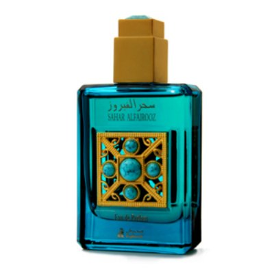 Al Fairooz SaharAsgharali<br>Производство: Бахрейн Asgharali выпустил унисексовую композицию Al-Fairooz Sahar для стильных и элегантных натур, предпочитающих находиться в центре внимания. Фруктовый цветочный букет стартует сочной феерией тропических плодов. В сладостном и пикантном коктейле уверенно солирует экзотический личи, чья бархатистая нежность великолепно подчеркнута зеленым аккордом свежесрезанной травы. В сердце обаятельного Al-Fairooz Sahar на фоне чувственных абрикосовых бликов проступает великолепное розовое благоухание, завораживая глубиной и роскошными, многогранными переливами. Завершается гармоничный и яркий аромат драгоценной амбровой базой с шелковистыми мускусными акцентами.<br><br>Линейка: Al Fairooz Sahar<br>Объем мл: 45<br>Пол: Унисекс