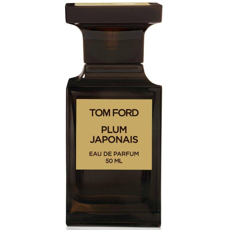 Plum JaponaisTom Ford<br>Производство: США Семейство: цветочные фруктовые Верхние ноты:  Ваниль,  Амбра, слива, Корица, Бензоин, Индийский шафран, дерево Агар, Камелия, бессмертник, Нулу бальзам, цветок сливы Изящная парфюмерная вода Tom Ford Plum Japonais придется по душе страстным, энергичным девушкам. Элегантный, чистый аромат хранит цветочные и восточные ноты. Раскрываются духи едва уловимым звучанием индийского шафрана. Его окружают аккорды ванили, корицы и бальзама. Их мелодию подхватывает цветочный букет, собранный из камелии. Легкую симфонию придает нулу. Привлекательность парфюму добавляет чувственная амбра.<br>Духи Том Форд Плюм Джапонес созданы для веселых женщин. Гармония соблазна и свежести создают роскошную композицию. Ее обладательница живет в безгранично свободном мире, где царствует любовь.<br><br>Линейка: Plum Japonais<br>Объем мл: 50<br>Пол: Женский<br>Аромат: цветочные фруктовые<br>Ноты: Ваниль,  Амбра, слива, Корица, Бензоин, Индийский шафран, дерево Агар, Камелия, бессмертник, Нулу бальзам, цветок сливы<br>Тип: парфюмерная вода-тестер<br>Тестер: да