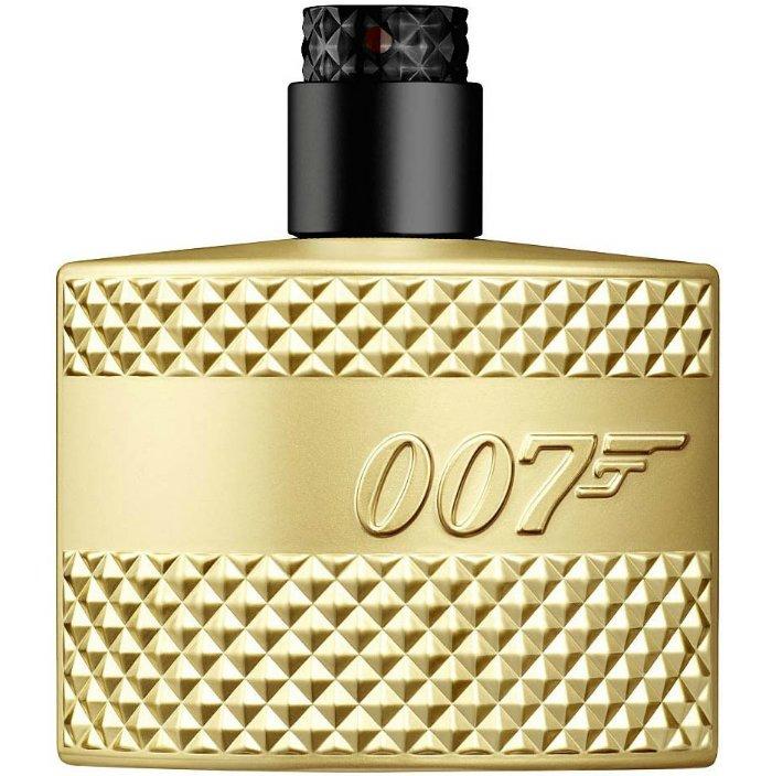 James Bond 007 Gold EditionEon Productions<br>Производство: Великобритания James Bond 007 Eon Productions - это аромат для мужчин, принадлежит к группе ароматов фужерные. Это новый аромат, James Bond 007 выпущен в 2012. Верхние ноты: Бергамот, Зеленое яблоко и Герань; ноты сердца: роза, Лаванда и кардамон; ноты базы: Ветивер, Сандаловое дерево, пачули и дубовый мох.<br><br>Линейка: James Bond 007 Gold Edition<br>Объем мл: 50<br>Пол: Мужской
