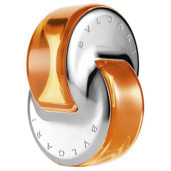 Omnia Indian GarnetBvlgari<br>Год выпуска: 2014 Производство: Италия Семейство: восточные цветочные Верхние ноты:  мандарин, апельсин, Индийский шафран Средние ноты:  Османтус, Тубероза Базовые ноты:   Амбра, древесные ноты Bvlgari Omnia Indian Garnet - новый аромат коллекции Omnia от Bvlgari, которая уже включает издания: Omnia (2003), Omnia Crystalline (2005), Omnia Amethyste (2006), Omnia Green Jade (2009), Omnia Coral (2012) и Omnia Crystalline Eau de Parfum (2013). Новый аромат вдохновлен экзотикой Индии и обещает ауру благородства и мистики. Восточно-цветочная композиция открывается цитрусовыми аккордами мандарина и апельсина. В ее сердце царствует цветок османтуса, а восточная база представлена нотами амбры. Аромат создан парфюмером Alberto Morillas.<br><br>Линейка: Omnia Indian Garnet<br>Объем мл: 15<br>Пол: Женский<br>Аромат: восточные цветочные<br>Ноты: мандарин, апельсин, Индийский шафран,  Османтус, Тубероза,   Амбра, древесные ноты<br>Тип: туалетная вода<br>Тестер: нет