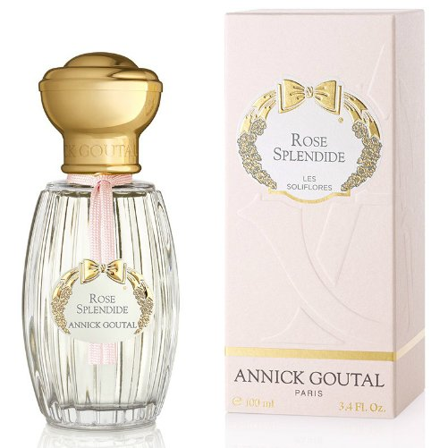 Rose SplendideAnnick Goutal<br>Год выпуска: 2010 Производство: Франция Семейство: цветочные Верхние ноты:  роза, Мускус, груша, Магнолия Rose Splendide Annick Goutal - это аромат для женщин, принадлежит к группе ароматов цветочные. Это новый аромат, Rose Splendide выпущен в 2010. Композиция аромата включает ноты: мускус, роза, магнолия и груша.<br><br>Линейка: Rose Splendide<br>Объем мл: 100<br>Пол: Женский<br>Аромат: цветочные<br>Ноты: роза, Мускус, груша, Магнолия<br>Тип: туалетная вода<br>Тестер: нет