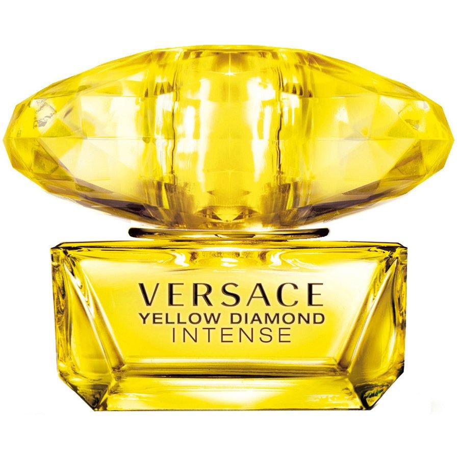 Yellow Diamond IntenseGianni Versace<br>Производство: Италия Семейство: цветочные Верхние ноты:  Бергамот, груша, Нероли, Цитрон (цедрат) Средние ноты:  Жасмин, Апельсиновый цвет, Османтус, Белая фрезия Базовые ноты:  Мускус,  Амбра, Дерево Гуаяк, Бензоин Летом 2014 Versace запускает Yellow Diamond Intense, новую, более интенсивную версию издания Yellow Diamond 2011 года. Новый аромат анонсируется как свежий цветочный, яркий и сияющий, таинственный и соблазнительный. Новая композиция открывается свежими средиземноморскими аккордами цедрата (цитрона), бергамота, нероли и грушевого сорбе. Ее сердце включает женственный цветочный букет из флердоранжа, фрезии, жасмина и османтуса. База создана из амброво-древесных нот, мускуса, бензоина и гваякового дерева.<br><br>Линейка: Yellow Diamond Intense<br>Объем мл: 90<br>Пол: Женский<br>Аромат: цветочные<br>Ноты: Бергамот, груша, Нероли, Цитрон (цедрат),  Жасмин, Апельсиновый цвет, Османтус, Белая фрезия,  Мускус,  Амбра, Дерево Гуаяк, Бензоин<br>Тип: парфюмерная вода<br>Тестер: нет