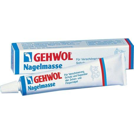 NagelmasseGehwol<br>Производство: Германия Клей для ногтей (Nagelmasse)<br>Это эффективное косметическое средство, направленное на повышение  качества слоящихся, неровных или просто потрескавшихся ногтей. Клей  способствует быстрому их укреплению и прочно фиксирует даже  искусственные ногти, эффективно защищая их от распространенных грибковых  заболеваний. С помощью косметического клея от Геволь вы легко сможете  придать ногтям ухоженный и натуральный вид. Nagelmasse необходим не  только для создания эстетической красоты, его часто используют в  лечебных целях, например в случае, когда необходимо провести лечение  вросших ногтей, под врастающий край ногтя нужно подкладывать кополин,  препятствующий врастанию ногтя, который легко закрепляется с помощью  клея.<br>Применение: <br>Для начала рекомендуется подготовить ноготь, то есть, обезжирить его,  после чего можно наносить тонким слоем Геволь клей для ногтей. В еще  влажную массу укладывается специальный отрезок марли Геволь на пять  минут. По истечении указанного времени можно укладывать непосредственно  следующие слои клея и марли, вплоть до натуральной толщины ногтя (около  2-4 слоев). Перед тем как масса затвердеет, придайте ей необходимую  форму с помощью влажного шпателя.<br><br>Линейка: Nagelmasse<br>Объем мл: 15<br>Пол: Унисекс