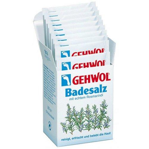 BadesalzGehwol<br>Производство: Германия Соль для ванны с розмарином (Badesalz) Соль для ванны производит мягкую, но в основательную очистку кожи, при этом освежает и оживляет кожу, придавая ей приятный запах и гладкость. Благодаря интенсивному стимулированию кровообращения кожи, она не только оживает, буквально на глазах, но и укрепляется. Питательные компоненты глубоко проникают сквозь поры кожи, за счет чего быстро снимают боль, предотвращают повышенное потоотделение и появление неприятного запаха от ног. Достаточно всего лишь четырех ложек соли на ванну, после чего розмарин мягко и глубоко начнет очищать Вашу кожу, успокаивая и снимая напряжение, накопившееся за весь день. Применение: Соль для ванны с розмарином прекрасно подходит как для ванны ног, так и для общей ванны всего тела. В случае принятия общей ванны добавьте 4 ложки соли в теплую воду и спокойно не торопясь начните принимать водные процедуры. Для ванны ног достаточно всего лишь двух ложек соли. Приятный массаж в воде только усилит действие косметического средства.<br><br>Линейка: Badesalz<br>Объем мл: 10*25 (гр.)<br>Пол: Унисекс