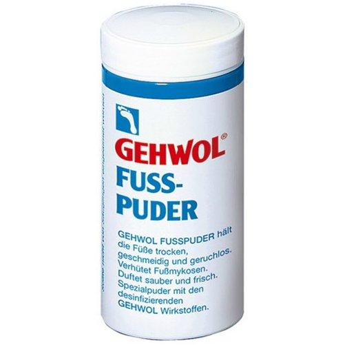 Fuss-PuderGehwol<br>Производство: Германия Пудра для ног (Fuss-Puder) Эффективно смягчает кожу ног, помогая содержать ее в сухости, и предотвращает быстрое появление запаха и неприятных грибковых инфекций. Надевая летом открытую обувь, мы тем неменее, не способны полностью защитить наши ноги от невыносимой жары, в результате чего, они вновь начинают страдать и потеть. Именно для борьбы с этой проблемой компания Геволь создала эту специальную Пудру для ног, которая решит данную неприятную проблему. Ведь это косметическое средство просто создано для того, чтобы удалить лишнюю влагу и дезинфицировать вспотевшую кожу. Пудра для ног от Геволь обладает чистым и приятным запахом. Также, косметическое средство можно использовать для распыления на чулки или носки. Применение: Нанесите пудру для ног непосредственно на кожу, а также небольшое ее количество в обувь и носки. Особенно рекомендуется использовать пудр, как профилактическое средство от натираний, при ходьбе летом в открытой обуви.<br><br>Линейка: Fuss-Puder<br>Объем мл: 100 (гр.)<br>Пол: Унисекс