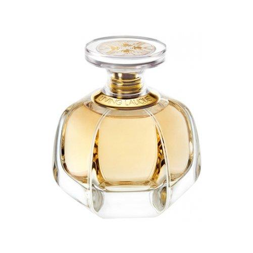 Living LaliqueLalique<br>Производство: Франция Духи Living Lalique – это аромат солнечного лета. Он олицетворяет песчаный берег в экзотической стране. Дизайнерский аромат играет восхитительную мелодию, которая раскрывает цветочные мотивы. Подхватывают их звучание древесно-мускусная композиция. Оригинальный флакон издает теплый аромат с утренней прохладой. Парфюмерную воду выбирают влюбленные женщины.<br>Раскрывается парфюм Ливинг Лалик бергамотом и лавандой. Ярких оттенков придает мята. Подхватывает их ноты черный перец и мускатный орех. Нежное звучание дарит восхитительная роза. В стойком шлейфе можно уловить дыхание ветивера и ванили.<br><br>Линейка: Living Lalique<br>Объем мл: 1<br>Пол: Женский