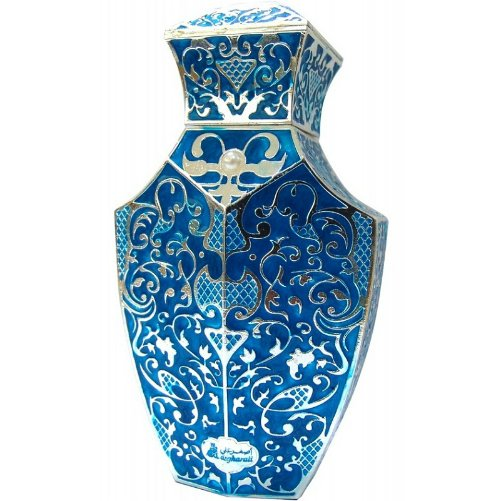 Mouj Al AzraqAsgharali<br>Производство: Бахрейн Mouj Al Azraq Asgharali - это аромат для мужчин, принадлежит к группе ароматов фужерные. Mouj Al Azraq выпущен в 2013. Верхние ноты: грейпфрут, Лаванда, шалфей и Цитрусы; ноты сердца: Герань, Зеленое яблоко, дубовый мох и Морские ноты; ноты базы: Мускус, пачули и Белый кедр.<br><br>Линейка: Mouj Al Azraq<br>Объем мл: 100<br>Пол: Мужской