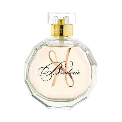 BroderieHayari Parfums<br>Производство: Франция Broderie от Hayari Parfums - это аромат для женщин, принадлежит к группе ароматов цветочные фруктовые. Broderie выпущен в 2012 году. Парфюмер: Sidonie Lancesseur. Верхние ноты: мандарин и Персик; ноты сердца: Гардения и Белая лилия; ноты базы: Сандаловое дерево и пачули.<br><br>Линейка: Broderie<br>Объем мл: 50<br>Пол: Женский