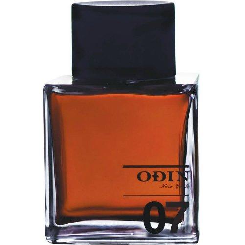 07 TanokeOdin<br>Производство: Великобритания 07 Tanoke Odin - это аромат для мужчин и женщин, принадлежит к группе ароматов восточные фужерные. Этот аромат выпущен в 2011 году. Парфюмер: Corinne Cachen. Верхние ноты: Имбирь, Горький апельсин и черный перец; ноты сердца: Дерево Гуаяк, Ладан и мускатный орех; ноты базы: бразильский махагони, пачули и черный мускус.<br><br>Линейка: 07 Tanoke<br>Объем мл: 100<br>Пол: Унисекс