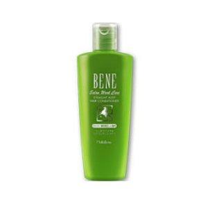 Bene Salon Work Care Conditioner SKMoltoBene<br>Производство: Япония Bene Salon Work Care Conditioner SK - кондиционер на основе конского кератина с гиалуроновой кислотой и экстрактом моркови для&amp;nbsp; сухих, мелированных, блондированных, поврежденных химической завивкой волос. Конский кератин - белок, идентичный кератину наших волос, восстанавливает и укрепляет внутреннюю структуру волос. Придает им блеск и упругость. Масло карите питает волосы, делает их послушными, обеспечивает защиту от воздействия внешних факторов. Пшеничный белок увлажняет волосы, способствует восстановлению их структуры. Керамиды препятствуют появлению секущихся волос. Производная цистеина и креатин придают блеск окрашенным волосам, сохраняют цвет, восстанавливают связи в структуре волос. Экстракт моркови нормализует баланс увлажнения, насыщает витаминами. Применение: Небольшое количество кондиционера нанести на влажные волосы, начиная с кончиков. Выдержать в течение 1-2 минуты. Тщательно смыть обильным количеством воды.<br><br>Линейка: Bene Salon Work Care Conditioner SK<br>Объем мл: 300<br>Пол: Женский