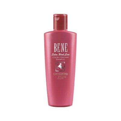 Bene Salon Work Care Shampoo CCMoltoBene<br>Производство: Япония Bene Salon Work Care Shampoo CC - шампунь на основе конского кератина с аминокислотами, протеином шелка и гиалуроновой кислотой для ухода за окрашенными волосами. Восстанавливает поврежденную структуру окрашенных волос. Сохраняет интенсивность цвета. Конский кератин - белок, идентичный кератину наших волос, восстанавливает и укрепляет внутреннюю структуру волос. Придает им блеск и упругость. Масло карите питает волосы, делает их послушными, обеспечивает защиту от воздействия внешних факторов. Пшеничный белок делает волосы эластичными и послушными. Аминокислоты являются источником восстановления природной структуры волос. Придают блеск. Гиалуроновая кислота поддерживает естественный баланс увлажнения волос. Придает сияние и эластичность. Протеин шелка делает волосы шелковистыми и блестящими. Производная цистеина препятствует вымыванию цвета. Применение: Небольшое количество шампуня нанести на влажные волосы массирующими движениями. Тщательно смыть теплой водой.&amp;nbsp;<br><br>Линейка: Bene Salon Work Care Shampoo CC<br>Объем мл: 300<br>Пол: Женский