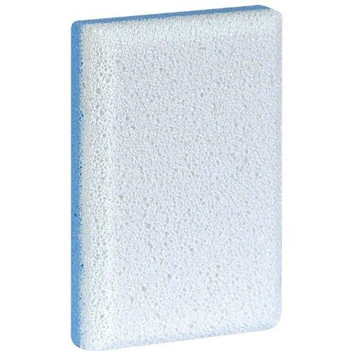 Sponge for Hard SkinGehwol<br>Производство: Германия Семейство: восточные &amp;nbsp;&amp;nbsp;Пемза для загрубевшей кожи изготовлена из минеральных компонентов разной пористости для более эффективного и качественного удаления загрубевшей кожи и натоптышей. &amp;nbsp;Пемза имеет две стороны &amp;ndash; одна из них, которая имеет значительно крупнее поры, используется при удалении мозолей, натоптышей и более грубой кожи. Вторая сторона не такая грубая, применяется при обработке кожи рук и более нежной кожи ног. Использование пемзы не только помогает обновить клетки кожи на живые, тем самым оздоравливая ее, но и улучшает эстетический вид. Удаление мертвых клеток стимулирует дыхание кожи, улучшает обмен веществ, поры легче очищаются, а чистые поры намного лучше усваивают полезные компоненты косметических средств.&amp;nbsp;<br><br>Линейка: Sponge for Hard Skin<br>Объем мл: 1 (шт.)<br>Пол: Унисекс<br>Аромат: восточные