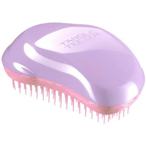 The Original LilacTangle Teezer<br>Производство: Великобритания The Original Lilac от Tangle Teezer - профессиональная  расчёска из Великобритании. Создана знаменитым британским стилистом  Шоном Пи, у которого за плечами более тридцати лет опыта работы в  индустрии. Эргономичная форма Tangle Teezer The Original Lilac позволяет  легко расчёсывать как сухие, так и влажные волосы. Благодаря  уникальному строению зубчиков, расчёска мягко скользит по волосам, не  повреждая и не травмируя их. После использования расчёски волосы  приобретают здоровый вид и блеск, становясь гладкими и шелковистыми.  Подходит для любого типа волос, включая наращенные и окрашенные.  <br><br>Линейка: The Original Lilac<br>Объем мл: (11х7х4см.)<br>Пол: Унисекс