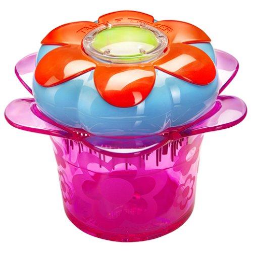 Magic Flowerpot Popping PurpleTangle Teezer<br>Производство: Великобритания Magic Flowerpot Popping Purple от Tangle Teezer -  детская модель, созданная для бережного распутывания волос. Больше  никаких слёз! Компактная расчёска с горшочком для хранения аксессуаров:  резиночек, заколок и девичьих секретиков. Мягкая и нежная расчёска  бережно расчесывает волосы без боли. Модель Popping Purple выполнена в  ярком пурпурном цвете и будет радовать маленькую принцессу каждый день!  Расчёска изготовлена из экологически чистого материала и безопасна для  детской кожи. Подходит для использования с 3-х лет.  <br><br>Линейка: Magic Flowerpot Popping Purple<br>Объем мл: (80&amp;#215;80&amp;#215;44мм.)<br>Пол: Унисекс