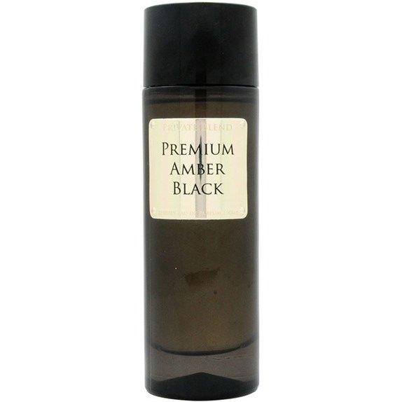 Premium Amber BlackChkoudra<br>Год выпуска: 2014 Производство: Франция Семейство: цитрусовые Верхние ноты:   Амбра, Бергамот, Перец, Мускус, древесные ноты, Ладан, Пачули, Тонка бобы, Специи, Лимон Premium Amber Black &amp;ndash; глубокий, мягкий и обволакивающий, почти убаюкивающий древесно-амбровый унисекс парфюм, выпущенный под маркой французского нишевого парфюмерного дома Chkoudra Private Blend. Как и остальные парфюмы бренда, аромат одет в минималистичный, но при этом роскошный цилиндрический флакончик угольно-черного цвета, украшенный золотой табличкой с названием парфюма. Верхние ноты ароматической композиции дарят яркую свежесть игристых цитрусовых нот бергамота и лимона, украшенную нежными переливами аромата пряных хрустящих листьев фиалки. Постепенно свежесть вступительных нот рассеивается и на их место приходит теплое, бархатистое сердце парфюма, отзывающееся букетом пряно-древесных нот, тепой пряностью листьев пачули, дымно-ароматическим ладаном &amp;nbsp;и пряными перечными акцентами. Отзвучав, парфюм оставляет после себя красивое послевкусие из величественного черного янтаря в обрамлении сладковато-дымных акцентов бобов тонка и мягкого, волнующего мускуса.<br>&amp;nbsp;<br><br>Линейка: Premium Amber Black<br>Объем мл: 100<br>Пол: Унисекс<br>Аромат: цитрусовые<br>Ноты: Амбра, Бергамот, Перец, Мускус, древесные ноты, Ладан, Пачули, Тонка бобы, Специи, Лимон<br>Тип: парфюмерная вода<br>Тестер: нет
