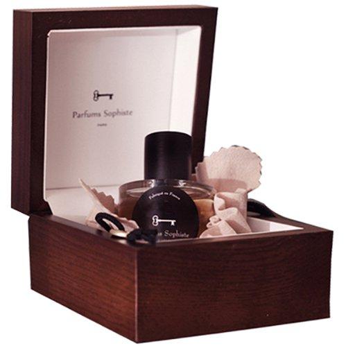 PreludiumParfums Sophiste<br>Год выпуска: 2013 Производство: Великобритания Семейство: цветочные древесно-мускусные Верхние ноты:  вистерия, Фиалка, Жасмин Средние ноты:  Ландыш, Сирень, Ирис Базовые ноты:  Белый кедр, Мускус Preludium Parfums Sophiste &amp;mdash; это аромат для женщин, он принадлежит к группе цветочные древесно-мускусные. Preludium выпущен в 2013 году. Верхние ноты: Вистерия, Фиалка и Жасмин; средние ноты: Ландыш, Сирень и Ирис; базовые ноты: Белый кедр и Мускус.<br><br>Линейка: Preludium<br>Объем мл: 50<br>Пол: Женский<br>Аромат: цветочные древесно-мускусные<br>Ноты: вистерия, Фиалка, Жасмин,  Ландыш, Сирень, Ирис,  Белый кедр, Мускус<br>Тип: парфюмерная вода-тестер<br>Тестер: да