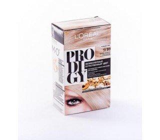 L`OREAL Prodigy 9.10 Белое ЗолотоLOreal<br>Производство: Великобритания Краска для волос LOreal PRODIGY 9.10 Белое Золото – краска, созданная специалистами LOreal с применением щадящих ингредиентов и инновационных технологий. В составе данной краски вы не обнаружите аммиак, вредный для волос. Вместо этого во время окрашивания за вашими волосами будут ухаживать особые микромасла, которые не только увлажняют и разглаживают каждый волосок, придавая здоровый блеск, но и помогают цвету раскрыться во всей его полноте. Стойкость пигмента и живой переливающийся цвет порадуют каждую женщину. Купить краску для волос LOreal PRODIGY 9.10 Белое Золото можно в Москве в торговом центре METRO. Производитель: LOreal Paris, Франция. Состав: 1 Красящий Крем (60 г) 1 Проявляющая Эмульсия (60 г) 1 Уход-усилитель Блеска (60 мл) 1 Инструкция 1 Пара перчаток 1.0 Состав: Красящий крем 1146239(C161729/2): PARAFFINUM LIQUIDUM / MINERAL OIL , AQUA / WATER , ETHANOLAMINE , STEARETH-20 , CAPRYLYL/CAPRYL GLUCOSIDE , POLYSORBATE 21 , TOLUENE-2,5-DIAMINE , STEARETH-2 , RESORCINOL , 2,4-DIAMINOPHENOXYETHANOL HCl , m-AMINOPHENOL , ASCORBIC ACID , SODIUM METABISULFITE , HYDROXYBENZOMORPHOLINE , ARGANIA SPINOSA OIL / ARGANIA SPINOSA KERNEL OIL , THIOGLYCERIN , POLYQUATERNIUM-67 , N,N-BIS(2-HYDROXYETHYL)-p-PHENYLENEDIAMINE SULFATE , CARTHAMUS TINCTORIUS OIL / SAFFLOWER SEED OIL , EDTA , PARFUM / FRAGRANCE , Проявляющая эмульсия 1071397(C42424/1): AQUA / WATER , PARAFFINUM LIQUIDUM / MINERAL OIL , HYDROGEN PEROXIDE , CETEARYL ALCOHOL , STEARETH-20 , PEG-4 RAPESEEDAMIDE , TOCOPHEROL , SODIUM STANNATE , POLYQUATERNIUM-6 , PENTASODIUM PENTETATE , PHOSPHORIC ACID , TETRASODIUM PYROPHOSPHATE , HEXADIMETHRINE CHLORIDE , GLYCERIN , Уход-усилитель Блеска 1087475(C159703/2): AQUA / WATER , CETEARYL ALCOHOL , BEHENTRIMONIUM CHLORIDE , CETYL ESTERS , LACTIC ACID , TRIDECETH-6 , CHLORHEXIDINE DIGLUCONATE , LIMONENE , LINALOOL , BENZYL SALICYLATE , BENZYL ALCOHOL , AMODIMETHICONE , ISOPROPYL ALCOHOL , 2-OLEAMIDO-1,3-