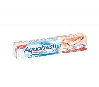 AQUAFRESH White &amp; ShineAQUAFRESH<br>Зубная паста AQUAFRESH White &amp; Shine, 75 мл представляет собой гель с легким и очень приятным запахом мяты. Улучшенная формула заботится о здоровье ваших зубов и ротовой полости. В новом составе содержатся микрочастички, которые полируют эмаль, удаляя нежелательный налет и зубной камень, способствуя профилактике кариеса. Зубная паста AQUAFRESH White &amp; Shine создана, чтобы позаботиться о белоснежной, сияющей улыбке и свежем, ароматном дыхании.<br><br>Линейка: AQUAFRESH White &amp; Shine<br>Объем мл: 75<br>Пол: Унисекс