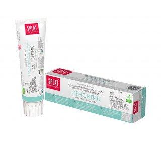 SPLAT Professional Сенситив биоактивнаяSPLAT<br>Зубная паста SPLAT Professional Сенситив биоактивная, 100 мл – эффективное средство для красивой и здоровой улыбки. Входящие в состав натуральные компоненты оказывают комплексное воздействие. Противовоспалительные ингредиенты способствуют уменьшению кровоточивости десен, а Кальцис эффективно повышает плотность эмали. Входящий в состав папаин отлично справляется с мягким налетом и болезнетворными бактериями, что является основной причиной возникновения кариеса. Вы можете приобрести зубную пасту SPLAT Professional Сенситив биоактивная, 100 мл в Москве в торговом центре METRO. Производитель: ООО Органик Фармасьютикалз, Россия, Новгородская область. Состав: Sorbitol, Hydrated Silica, Aqua, PEG-8, Sodium Lauryl Sulfate, Cellulose Gum, Aroma, Calcium Lactate, Tifanium Dioxide, Sodium Bicarbonate, Hydroxyapatite, PVP, Sodium Methylparaben, Sodium Saccharin, Omega-3-Fish Oils, Papain. Срок годности: 2 года. Условия хранения: от 0°С до 25°С. Применение: рекомендуется чистить зубы 2 раза в день после приема пищи. ГОСТ 7983-99.<br><br>Линейка: SPLAT Professional Сенситив биоактивная<br>Объем мл: 100<br>Пол: Унисекс