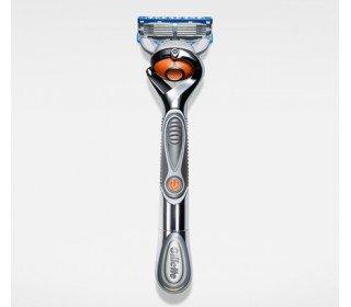 GILLETTE Fusion ProGlide FlexBall Silver с 2 сменными кассетамиGILLETTE<br>Бритва Gillette Fusion ProGlide FlexBall SILVER с 2 сменными кассетами - по-настоящему инновационный продукт от известного мирового бренда. Она идеально повторяет контуры вашего лица, сбривая каждый волосок. Тончайшие лезвия помогают удалить даже самые маленькие волоски, гарантируя абсолютную гладкость. Их теперь пять, а значит, давление на кожу стало еще меньше, а раздражение практически отсутствует. Мягкость гарантирует смазывающая полоска, которая стала больше, а в ее состав вошли разнообразные масла. Стабилизатор лезвий заставляет действовать их более слаженно, обеспечивая быстрое и комфортное бритье. Бритву Gillette Fusion ProGlide FlexBall SILVER с 2 сменными кассетами в Москве всегда можно приобрести в торговом центре METRO по привлекательной цене. Производитель: Gillette. Серия: Fusion. Коллекция: ProGlide Power. Тип бритвы: со сменными кассетами. Количество лезвий: 5.<br><br>Линейка: GILLETTE Fusion ProGlide FlexBall Silver с 2 сменными кассетами<br>Объем мл: 1шт<br>Пол: Мужской