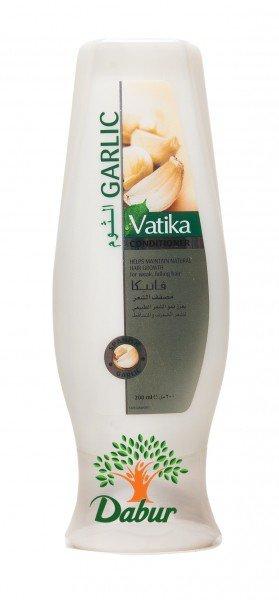 Контроль выпадения волос (Hair Fall Control) DaburDabur<br>Производство: Дания Укрепляющий кондиционер Vatika Garlic от Dabur для слабых выпадающих волос. Содержит в составе чеснок, тонизирующий и оживляющий волосяные луковицы.<br>        <br>Укрепляющий кондиционер Vatika Garlic от Dabur для слабых выпадающих волос. Содержит в составе чеснок, тонизирующий и оживляющий волосяные луковицы. Быстро останавливает потерю волос, наполняет их силой и блеском. Антиоксидантный состав шампуня эффективно очищает волосяные фолликулы и стимулирует рост новых волос. Активным ингредиентом является чеснок (garlic), известный отличными дезинфицирующими свойствами. Он повышает микроциркуляцию крови, улучшая питание корней и прекращая выпадение волос.<br>Чеснок (экстракт) &amp;ndash; мощный антисептик, богатый жирами, белками, витаминами (А+С+D+Е+группа В) и минералами, серосодержащими биоактивными элементами.<br>Кондиционер обладает всеми полезными качествами чеснока, не имея при этом специфичного резкого запаха.<br>Рекомендуется регулярное использование кондиционера в сочетании с шампунем для волос.<br>Способ применения и компоненты состава указаны на упаковке.<br>Объём 200ml.Производство &amp;ndash; Naturelle LLC,UAE.<br>Один из известнейших мировых брендов, который стал довольно известным среди публики - это косметика Dabur. Профессионалы фирмы стараются, чтобы забота и уход за телом стал максимально заметным и результативным.<br>Для того, чтобы каждому потребителю принести пользу, косметика Dabur приобретала все новые знания, становилась качественнее.<br>Сегодня средства для лечения волос, которые наполнены натуральными полезными компонентами, крайне популярны. Древние традиции повседневного ухода и технологичные знания вылились в великолепный, вполне доступный каждому покупателю эффект. В перечень средств для волос, за исключением шампуней и бальзамов, входит и прочая требуемая для хорошего роста, а также идеального состояния волос косметика.<br>Также, если же вы желаете купить 