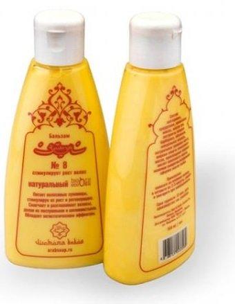 ZeitunZeitun<br>Производство: Австрия Питает волосяные луковицы, стимулируя рост волос и регенерацию. Смягчает и разглаживает волосы, делая их послушными и шелковистыми. Обладает антистатическим эффектом.<br>Способ применения: нанесите бальзам по всей длине только что вымытых волос, сразу после использования шампуня, через 5-10 минут смойте тёплой водой. Рекомендуем наносить бальзам на ту часть волос, которая собирается в хвост.<br>Состав: касторовое масло, кокосовое масло, кукурузное масло, облепиховое масло, масло ши, экстракт барбариса, травяная паста, родниковая вода, молочная сыворотка, глицин, лимонная кислота, производное жирных кислот кокосового масла, жирные спирты кокосового масла<br><br>Линейка: Zeitun<br>Объем мл: 150<br>Пол: Женский