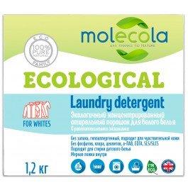 MolecolaMolecola<br>Производство: Россия Экологичный концентрированный стиральный порошок для белого белья с растительными энзимами Molecola эффективно удаляет загрязнения, не повреждая волокна ткани.<br>        <br>Экологичный концентрированный стиральный порошок для белого белья с растительными энзимами эффективно удаляет загрязнения, не повреждая волокна ткани.<br><br>Высокая концентрация натурального мыла обеспечивает эффективную стирку и экономию средства.<br>Рекомендован для стирки детского белья и одежды беременных и кормящих женщин, а так же людей, имеющих аллергическую реакцию на средства бытовой химии<br>Защищает от накипи<br>Не наносит вреда окружающей среде, полностью биоразлагаем<br>Не содержит оптического отбеливателя, фосфатов, хлора, цеолитов, а-ПАВ, EDTA, SLS/SLES, искусственных красителей и синтетических ароматизаторов.<br>Подходит для стиральных машин любого типа и ручной стирки<br>Предназначен для стирки хлопчатобумажных, льняных тканей, изделий из вискозы и искусственных волокон.<br><br>Рекомендации:&amp;nbsp;Цветное и белое белье стирать отдельно, соблюдая рекомендации на этикетках. Рекомендуемая температура стирки не менее + 40&amp;deg; С. Для детского белья рекомендуется дополнительное полоскание.<br>Состав: Sodium Carbonate 62-65%, Natural plant based, soap 30&amp;ndash;33%, Sodium Percarbonate (Oxygen Bleach) 10%, Plant, Enzymes 1%, Citric Acid 1%, Aqua, Cellulose Gum 0,1-0,2%.<br>Способ применения:&amp;nbsp;Соблюдайте режим стирки, указанный на ярлыке одежды, дозировку и температуру. Засыпьте соответствующее количество порошка в выдвижной отсек или непосредственно в барабан стиральной машины. 1 мерная ложка = 50 мл.<br><br>Линейка: Molecola<br>Объем мл: 1000<br>Пол: Женский