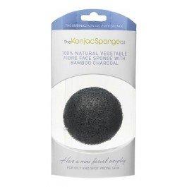 Premium Facial Puff with Bamboo Charcoal (премиум-упаковка) The Konjac Sponge CoThe Konjac Sponge Co<br>Наполненные минералами и активированным углеродом, спонжи конняку с бамбуковым углём глубоко очищают поры кожи, устраняя черные точки и грязь, одновременно поглощая токсины и излишки жира. Натуральный антиоксидант убивает бактерии, вызывающие акне, и является натуральным и эффективным лечением проблемной кожи. Способ применения: перед использованием тщательно промойте и увлажните спонж конняку в тёплой воде. Выдавите лишнюю воду и аккуратно очищайте кожу. Массажируйте круговыми движениями для нежного и мягкого отшелушивания и обновления вашей кожи, улучшая её состояние. Необязательно использовать очищающие средства, но, если желаете, выможете добавить небольшое количество в спонж конняку. Если средство добавлено, спонж сделает его более эффективным. После использования обязательно промойте ваш спонж и дайте ему высохнуть в проветриваемом месте перед следующим применением. Пожалуйста, будьте осторожны, не скручивайте спонж, так как это может повредить нежные растительные волокна, просто сожмите его между ладонями. Вы также можете хранить чистый спонж в холодильнике, чтобы сохранить его свежим и прохладным. Это поможет сохранить спонж конняку дольше. Кроме того, спонж можно сушить на полотенцесушителе или на крючке. После высыхания он будет уменьшаться и затвердевать, это совершенно естественно. Просто позвольте ему поглотить воду, намочив его перед повторным использованием. Никогда не пользуйтесь сухим спонжем конняку. Чем лучше вы заботитесь о спонже конняку, тем дольше он прослужит. Никогда не оставляйте спонж в душе или в бассейне с водой.<br><br>Линейка: Premium Facial Puff with Bamboo Charcoal (премиум-упаковка) The Konjac Sponge Co<br>Пол: Женский