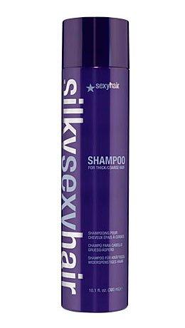 Sexy HairSexy Hair<br>Шампунь Silky Shampoo для жестких волос предназначен для ухода за жесткими, непослушными, лишенными блеска волосами. Его насыщенная формула включает в себя протеины шелка, сои и пшеницы, а также натуральные масла авокадо и жожоба. Высокое содержание смягчающих и увлажняющих компонентов делает волосы более мягкими и гладкими, придает им здоровый блеск, облегчает укладку.<br>Благодаря своей легкой и нежной текстуре шампунь не утяжеляет волосы, легко смывается. Мягкие моющие компоненты, входящие в состав шапуня, позволяют использовать его также для нарощенных волос<br>Способ применения: нанести шампунь на влажные волосы, массажными движениями вспенить, затем тщательно смыть. При необходимости повторить процедуру.<br><br>Линейка: Sexy Hair<br>Объем мл: 300<br>Пол: Женский