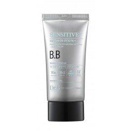 Dr. GDr. G<br>Защитный BB крем для ежедневного использования прекрасно покрывает кожу воздушным светящимся тоном. Спасает от несовершенства и рельефности кожи, устраняет мелкие недостатки.<br>В состав крема входит 30 % минеральной воды с базой полезных витаминов. Помогает лицу оставаться свежим, благодаря антиоксидантному эффекту.<br>Способ применения: нанести нужное для вас количество крема на увлажненное лицо. Пропорционально, с помощью бьюти блендера, распределите его. Применение исключительно наружное.<br><br>Линейка: Dr. G<br>Пол: Женский
