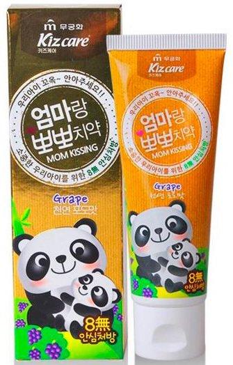 Kizcare Mom Kissing Toothpaste MukunghwaMukunghwa<br>Безопасная и эффективная, разработанная совместно с сеульским институтом стоматологии, зубная паста от Mukunghwa является одной из самых покупаемых в Корее. Она обеспечивает естественный и здоровый уход за полостью рта ребенка.<br>        <br>Представленная зубная паста создана разработчиками компании Mukunghwa при непосредственном участии Сеульского института стоматологии специально для детей.<br>Kizcare Mom Kissing Toothpaste&amp;nbsp;гарантирует самый эффективный уход за полостью рта ребенка.<br><br>Укрепляет эмаль зубов и десны, при этом не содержит SLS (лаурил сульфат натрия), парабенов и фтора, не имеет в составе ни одного компонента, который мог бы нанести вред полости рта и всему организму ребенка, даже в том случае, если он случайно проглотит зубную пасту.<br>Паста не содержит абразивных веществ, синтетических подсластителей, животного жира, синтетических ароматизаторов и красителей.<br><br>Разработчиками&amp;nbsp;компании Mukunghwa&amp;nbsp;при создании зубной пасты проводились тесты, которые доказали полную безопасность и эффективность продукта в уходе за полостью рта ребенка, защиту десен и зубной эмали от разрушения.<br>Kizcare Mom Kissing Toothpaste укрепляет зубную эмаль, предупреждает развитие кариеса, лечит воспаления десен, является хорошей практикой гингивита на ранней стадии.<br>Паста компании имеет аромат винограда, используемые ароматизаторы имеют натуральную основу и не содержат синтетических консервантов. Паста может использоваться с трехлетнего возраста ребенка.<br>Способ применения: нанести небольшое количество пасты на щетку, почистить зубы и хорошо прополоскать рот.<br><br>Линейка: Kizcare Mom Kissing Toothpaste Mukunghwa<br>Объем мл: 80<br>Пол: Женский