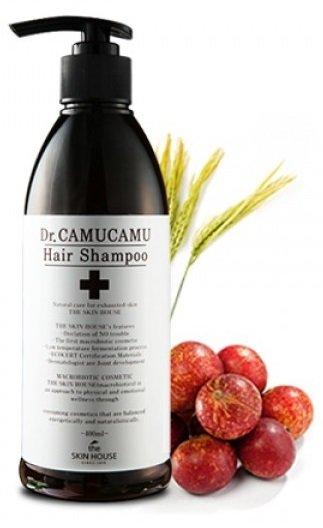 Dr. Camucamu Hair Shampoo The Skin HouseThe Skin House<br>Шампунь для волос эффективно борется с перхотью и оздоравливает кожу головы благодаря плодам каму-каму, которые обладают уникальным составом аминокислот и витаминов. Укрепляет и смягчает волосы, успокаивая кожу головы. Содержит ферментированный экстракт рисовых отрубей, который является запатентованным компонентом, который прекрасно увлажняет волосы и очищает кожу головы от излишков кожного сала, устраняя перхоть и зуд. Шампунь хорошо освежает кожу головы,питая волосы от корней до самых кончиков, делая их красивыми и здоровыми. Содержит экстракты корня пиона, тигровой лилии, цветков лотоса, цветков жимолости японской, цветков хризантемы индийской, тыквы, листьев алоэ барбаденсис, ягод асаи и плодов мирциарии. Благодаря богатому составу ингредиентов шампунь быстро приводит кожу головы в здоровый вид, постепенно устраняет перхоть и сокращает кожный зуд. Обладает успокаивающим эффектом, устраняя раздражение.<br>Способ применения: нанесите необходимое количество шампуня на волосы, помассируйте кожу головы, смойте теплой водой.<br>Подходит для: все типы кожи/волос.<br>Состав: вода, аммония лаурил сульфат, аммония лаурет сульфат, глицерин, диметикон, лаурет-23, лаурет-3, кокамид МЭА, экстракт ягод каму-каму, экстракт ягод асаи, поликватерниум-7, диметикон, пропиленгликоль, лимонная кислота, экстракт листа алоэ барбадосского, экстракт коры/сока пиона молочноцветкового, экстракт лилии тигровой, экстракт цветков лотоса орехоносного, экстракт цветков жимолости японской, экстракт цветков хризантемы индийской, экстракт плодов тыквы, экстракт плодов томата, экстракт рисовых отрубей, кукурузный крахмал, мука зерен пшеницы, экстракт полыни йомоги, мёд, экстракт семян гречишника, экстракт абрикосовой косточки, порошок корня солодки голой, Cl 19140, Cl 16185, ароматизатор.<br><br>Линейка: Dr. Camucamu Hair Shampoo The Skin House<br>Объем мл: 400<br>Пол: Женский