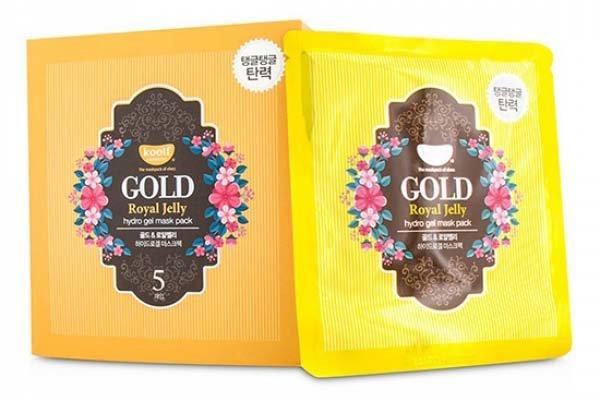 Gold&amp; Royal Jelly Hydro Gel Mask Pack Koelf&amp; PetitfeeKoelf &amp; Petitfee<br>Гидрогелевая маска с натуральным экстрактом пчелиного маточного молочка и коллоидным золотом.Гидрогель - это желеобразная вода, которая плотнее прилегает к коже и поступление активных веществ происходит быстрее нежели чем через тканевые маски.Многофункциональная гидрогелевая маска для лица пропитана эссенцией, которая реагирует на температуру кожи, расстворяется и проникает в глубокие слои дермы, устраняя мимические морщины. В состав масок входит пчелиное маточное молочко, которое оказывает омолаживающее (повышает эластичность, ускоряет обменные процессы клеток, повышает клеточный иммунитет), смягчающее и укрепляюще действия. Компонент коллоидное золото 24К обеспечивает здоровый, сияющий и ровный тон коже. Гиалуроновая кислота насыщает кожу коллагеном, чтобы поддерживать ее водный баланс. Нежный аромат лаванды успокаивает душу и тело, а также устраняет следы усталости с чувствительной кожи.Способ применения: <br><br>Рекомендуется сначала тщательно очистить поверхность эпидермиса, после этого воспользуйтесь тоником.<br>Извлечь средство из упаковки и нанести на лицо, аккуратно распределить.<br>Оставьте на 20- 30 минут, после этого снимите и осторожно вмассируйте подушечками пальцев оставшуюся сыворотку в кожу.<br>Для наилучшего эффекта воспользуйтесь масками до трех раз каждую неделю.<br><br><br>Линейка: Gold&amp; Royal Jelly Hydro Gel Mask Pack Koelf&amp; Petitfee<br>Объем мл: 30<br>Пол: Женский