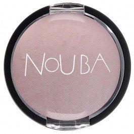 Nombra  NoubaNouba<br>Производство: Италия Тени для век с драгоценным перламутром. Можно наносить как влажным, так и сухим аппликатором. Мягкая и шелковистая текстура. Светоотражающие частицы с визуальным омолаживающим эффектом.<br>        <br>Запеченные матовые тени Nouba Nombra обогащены увлажняющими компонентами, ухаживающими за чувствительной кожей век, и включают в себя элементы, обеспечивающие максимальную стойкость и матовость макияжу глаз. Легчайшая вуаль теней безупречно ложится на веки, превращаясь в прекрасную основу для эффекта smokey eyes и для любого типа стрелок. К теням прилагается аппликатор.<br><br>Линейка: Nombra  Nouba<br>Пол: Женский