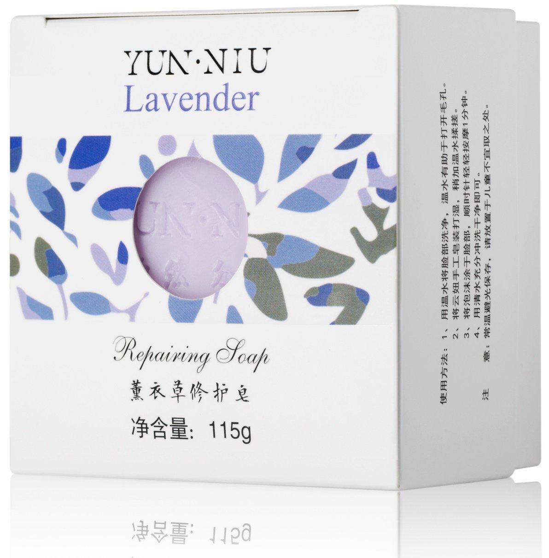 Yun-NiuYun-Niu<br>Производство: Китай Мыло с экстрактом лаванды YUN-NIU (юн-ню, юнню) предназначено для ежедневного ухода за проблемной кожей. Оно способствует устранению черных точек, нормализует водно-жировой баланс кожи.<br>        <br>Мыло с экстрактом лаванды YUN-NIU (юн-ню, юнню) предназначено для ежедневного ухода за проблемной кожей.&amp;nbsp;<br>Действие:<br><br>способствует устранению черных точек;<br>нормализует водно-жировой баланс кожи;<br>питает кожу;<br>благоприятно воздействует на нервную систему.<br><br>Способ применения: использовать утром и вечером перед нанесением уходовой косметики. Прекрасно подходит для снятия декоративной косметики.&amp;nbsp;При использовании необходимо намочить мыло, намылить руки и пену нанести на лицо, шею. После умывания смыть пену водой. Можно использовать для тела с применением мягкой мочалки-губки.<br>Состав:Пальмовое масло, пальмоядровое масло, масло оливы, глицерин, трегалоза, гидроксид натрия, вода, масло косточек макадамии, экстракт лаванды, масло лаванды.<br><br>Линейка: Yun-Niu<br>Объем мл: 115<br>Пол: Женский