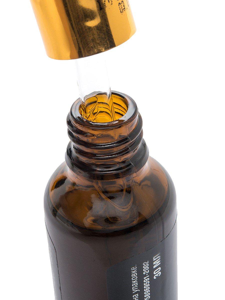 Жожоба, восстановление Planeta OrganicaPlaneta Organica<br>Производство: Россия Органическое масло для волос Planeta Organica является прекрасным средством, обеспечивающим комплексный уход за волосами, и применяется для восстановления поврежденной волосяной структуры после химической завивки или окрашивания, а также для ускорения роста волос. Комплексное действие полезных компонентов масла для волос Planeta Organica помогает оживить кожу головы и восстановить ее баланс, укрепить волосы по всей длине и напитать фолликулы и корни необходимыми веществами, тем самым, обеспечив рост сильных, здоровых и пышных волос. Современная косметология все чаще обращается к природе в поисках натуральных компонентов для ухода за кожей и волосами. Одним из самых драгоценных продуктов является масло жожоба. Состав этого растения настолько богат ценными микроэлементами, что масло жожоба считается одним из лучших средств по восстановлению кожи и волос. Торговая марка Planeta Organica не осталась в стороне и готова подарить вам непревзойденный результат с маслом жожоба «Восстановление волос». Масло жожоба насыщено аминокислотами и протеинами, которые являются «строительным материалом» для укрепления волос по всей длине. Благодаря густой консистенции масло проникает в кожу и волосы и создает на них защитный слой. Органические соединения укрепляют корни волос, восстанавливают структуру волос и способствуют их укреплению. Удобный дозатор-пипетка обеспечит удобное нанесение масла и экономный расход. Способ применения: нанести масло на сухие волосы, растерев две капли на ладони, и распределить по всей длине и на кожу головы. Оставить на 40 минут. Смыть шампунем. Состав: 100 % Organic Simmondsia Chinensis Seed Oil (100 % органическое масло жожоба).<br><br>Линейка: Жожоба, восстановление Planeta Organica<br>Объем мл: 30<br>Пол: Женский