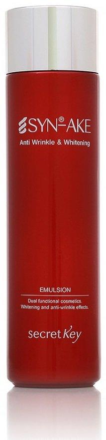 SYN-AKE Anti Wrinkle &amp; Whitening Emulsion Secret KeySecret Key<br>Эмульсия для лица с синтезированным змеиным ядом Syn-Ake Anti Wrinkle &amp;amp; Whitening Emulsion от компании Secret Key, инновационный продукт, основанный на синтезированном змеином яде, обеспечивает расслабление мышц лица, эффективное разглаживание мелких и средних мимических морщин, а также способствует повышению тургора кожи.<br>        <br>Эмульсия представляет собой предварительный этап ухода за лицом перед нанесением базового крема, тем самым проникающая способность ингредиентов продукта улучшается в разы. Кожа получает питание и увлажнение в необходимом количестве, цвет лица выравнивается, улучшается кровообращение, уменьшается выделение кожного жира. При желании эмульсию можно использовать как самостоятельное уходовое средство, когда кожа не &amp;laquo;просит&amp;raquo; дополнительного увлажнения и питания.<br>Легкая консистенция продукта обеспечивает беспрепятственное нанесение, и моментальное его впитывание. Состав эмульсии абсолютно безопасен: без парабенов и минеральных масел. Его применение можно начинать с 25-30 лет, когда на коже начинают проявляться первые признаки старения.<br>Действующие ингредиенты эмульсии:<br><br>Syn-Ake &amp;ndash; это пептид синтетического происхождения, который направлен на поддержание расслабленного состояния мышц лица, по причине которых возникают мимические морщины. На продолжении нескольких дней с начала применения, вещество постепенно снижает глубину морщин, что и было доказано в ходе кратковременных (месячных) исследований in vivo.<br>арбутин &amp;ndash; способствует понижению синтеза меланина, отвечающего за образование пигментных пятен на коже. Не оказывает негативного влияния на клетки кожи, не токсичен, действует непосредственно на меланоциты. Как правило, этот продукт извлекается из толокнянки, впервые был применен в японской косметологии.<br>аденозин &amp;ndash; было доказано его омолаживающее свойство, одобрен официальным органом сертификации