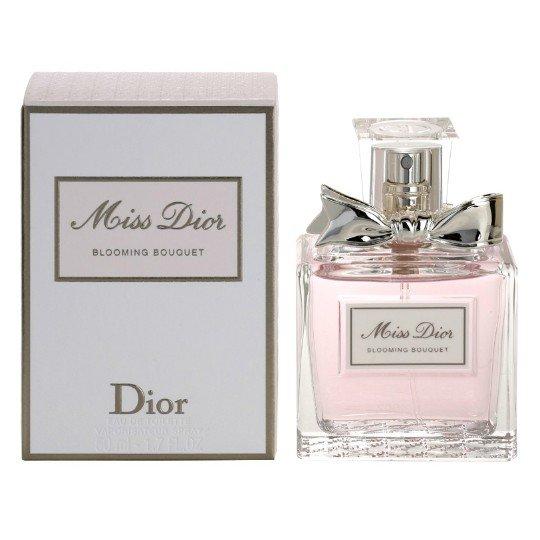 Miss Dior Blooming Bouquet 2014Dior<br>Производство: Франция Семейство: цветочные Верхние ноты:  мандарин Средние ноты:  роза, Абрикос, Персик, Пион Базовые ноты:  Мускус Духи Miss Dior Blooming Bouquet – это ароматный букет, который переносит женщину в экзотические уголки планеты. Оригинальный парфюм станет загадкой для мужчины. Ему захочется заглянуть в душу женщины и покорить ее сердце. С букетом этого волшебного ароматавы почувствуете себя красивой и желанной. Первые капли перенесут в тропический рай, раскрывающий цветочные ноты, переплетающиеся с мандарином, розой и персиком. В стойком шлейфе ощущается мускус, который завершает райский апогей. Духи Мисс Диор Блуминг не забываются. Они подчеркнут красоту женщины и теплоту ее души. Нежный аромат запечатан в красивый флакон, украшенный атласной лентой. Цена духов от производителя.<br><br>Линейка: Miss Dior Blooming Bouquet 2014<br>Объем мл: 50<br>Пол: Женский<br>Аромат: цветочные<br>Ноты: мандарин,  роза, Абрикос, Персик, Пион,  Мускус<br>Тип: туалетная вода<br>Тестер: нет