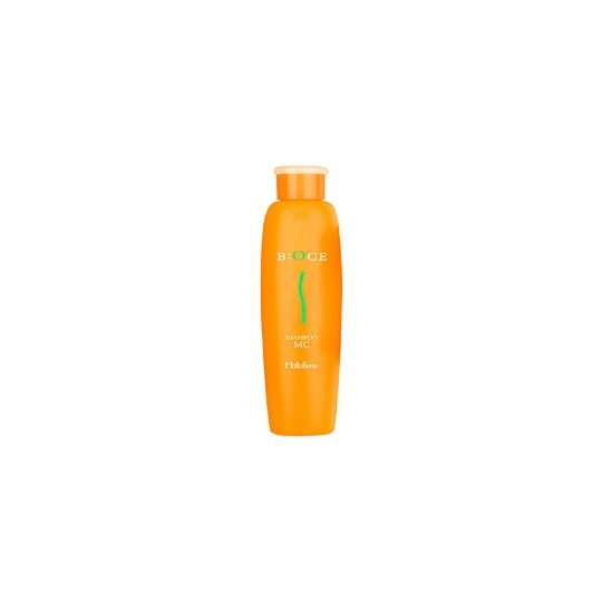 B:OCE Shampoo MCMoltoBene<br>Производство: Япония B:OCE Shampoo MC - шампунь для вьющихся волос (блеск и объем). Компоненты препарата нацелены на полноценный уход за вьющимися волосами, сухими от природы и сильно реагирующие на влагу. Аминокислоты, входящие в состав препарата обеспечивают обильное питание луковицы волоса и создают необходимый такому типу волос резервуар увлажнения.&amp;nbsp; В состав средства входят также компоненты, ухаживающие за структурой волоса (выравнивание структуры, уход за кутикулой, исчезновение секущихся концов) и обеспечивающие долговременную защиту от внешних агрессивных факторов (термическое воздействие фена, УФ-лучи, вредные соединения и соли, содержащиеся в водопроводной воде).&amp;nbsp; Серия также направлена восстановление естественного баланса волос, подвергшихся химическому воздействию, и вывод химических соединений с кожи головы и волос. Тем самым волосы становятся мягкими, прямыми, увлажненными, без секущихся концов. Препарат обеспечивает выпрямление волос при укладке феном, придает блеск и объем. Результат. Волосы становятся мягкими, прямыми, увлажненными, без секущихся концов. Применение:&amp;nbsp; Легкими массажными движениями равномерно распределить небольшое количество шампуня по поверхности волос и кожи головы. После вспенивания и смыть теплой водой. Процедуру повторить дважды. Для достижения оптимального результата вместе с шампунем рекомендуется использовать маску для волос MoltoBene B:OCE Treatment MC Masque.<br><br>Линейка: B:OCE Shampoo MC<br>Объем мл: 240<br>Пол: Женский